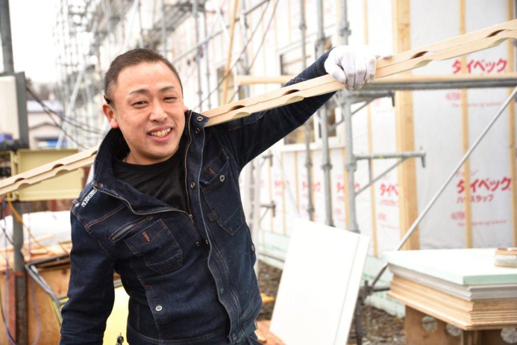 写真:元ソーラーパネルの技能者で大工修行中!
